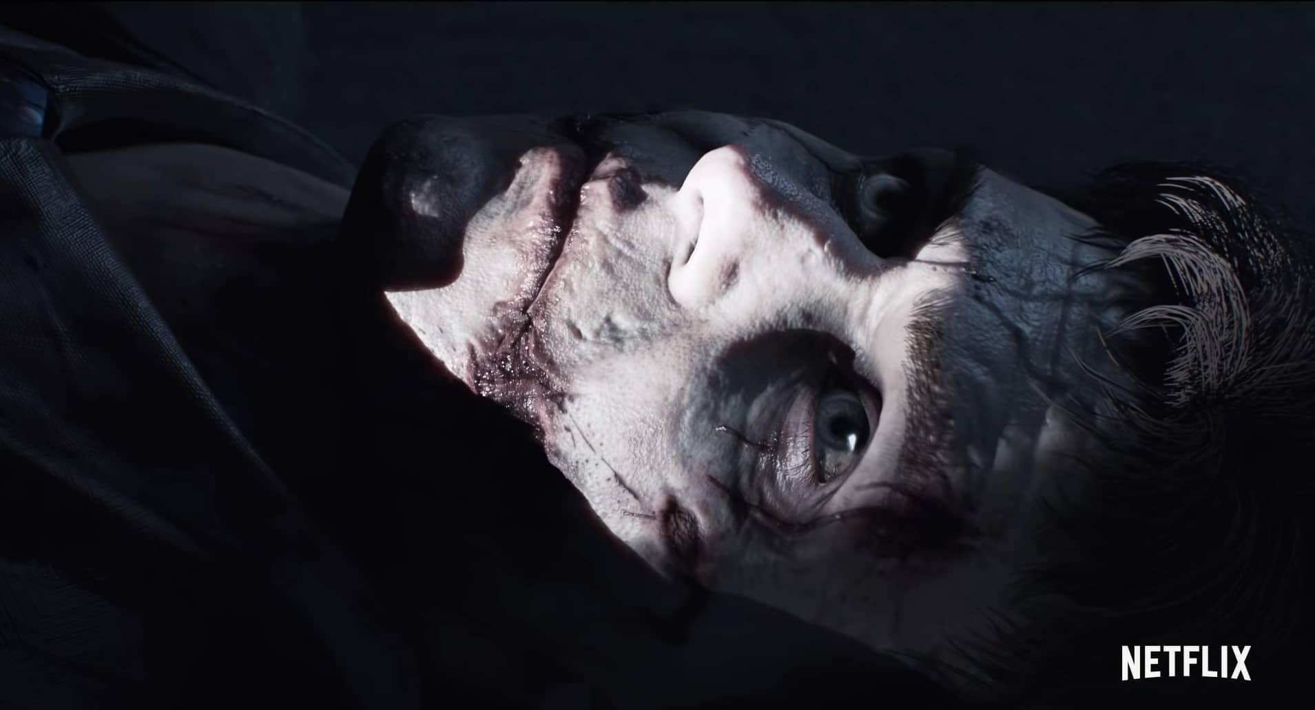 Close-up van een zombie, waarschijnlijk geïnfecteerd met iets dat lijkt op het bekende T-virus, in de nieuwe Netflix serie Resident Evil: Infinite Darkness